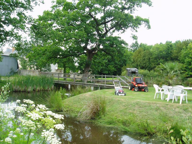 Jardinage suppression de haies arrachage des souches for Entretien des jardins et espaces verts